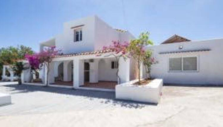 Villa with 3 bedrooms, with pool in the area of Sa Caleta