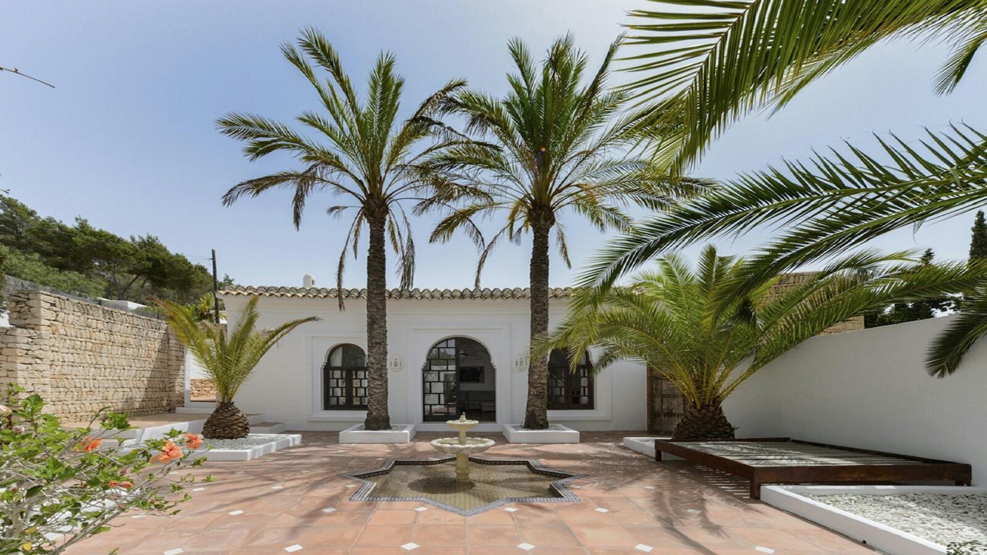 All Year:Villa near Cala Llonga