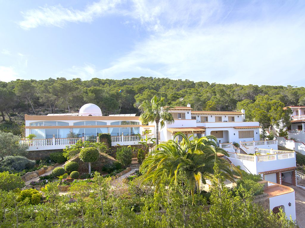 Amazing quiet villa no neighbours surrounding