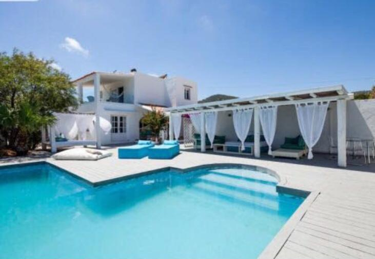Villa with 4 bedrooms, Sa Caleta